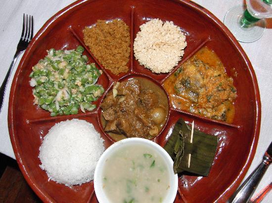 Inle Princess Resort: Abendessen