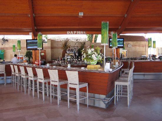 Cornelia De Luxe Resort : Daphne bar open 24 hours