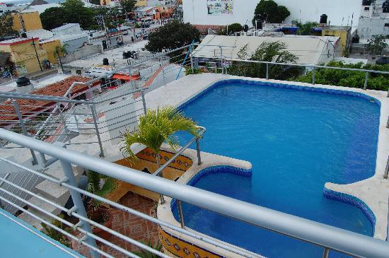 Paraiso Azul's -Casa De Gopala: the roof top pool