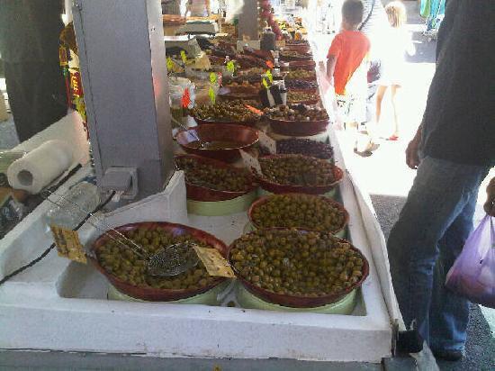 Pezenas, France : Olives at the market
