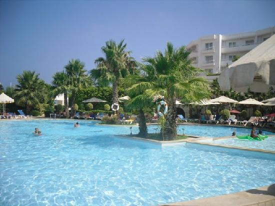 Hotel Laico Hammamet: piscine 1