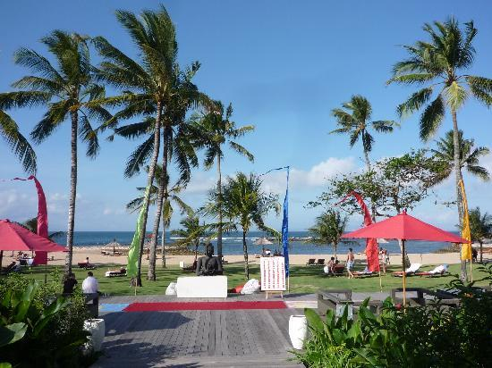 Club Med Bali: Path to the beach