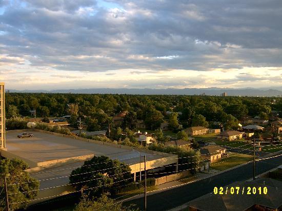 هوليداي إن دنفر إيست - ستابلتون: City view from hotel