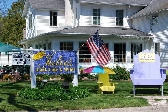 Julie's Park Cafe