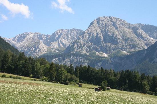 Sporthotel Schoenruh: The valley