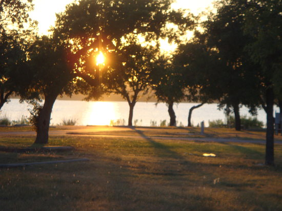 Lake Brownwood State Park: sunset view