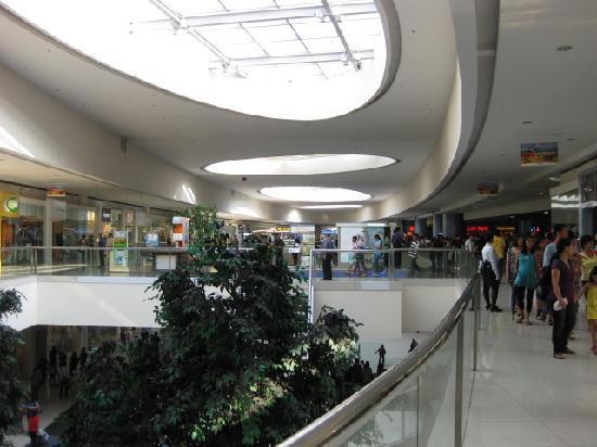 SM Mall of Asia: 中はこんな感じです