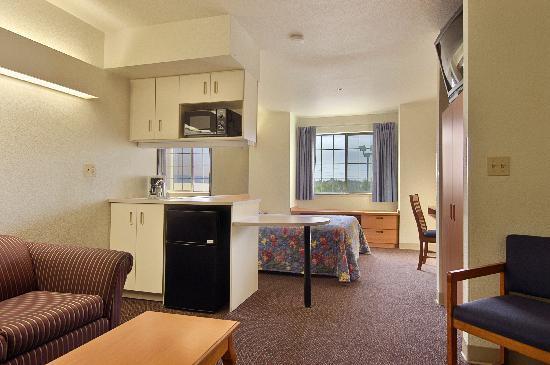 سوبر 8 ساكرامنتو إيربورت: Suite Room