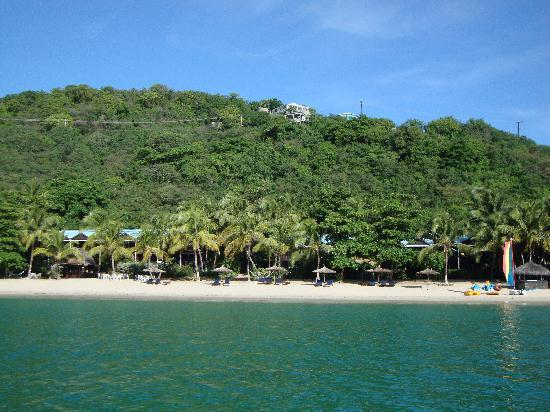 Tamarind Beach Hotel & Yacht Club: View of the Beach