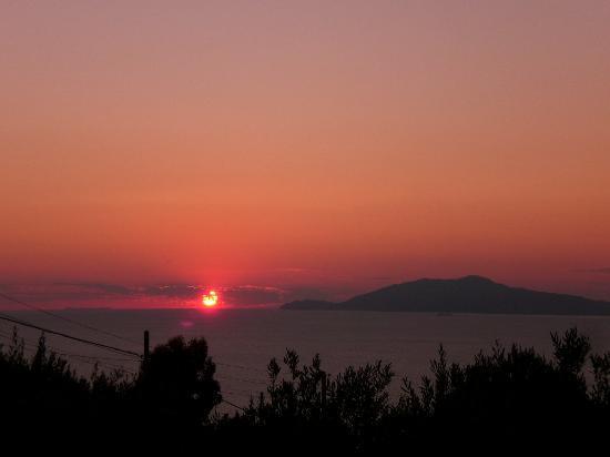 Da Carlo a Veterino: sunset view