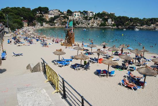 THB Felip Class: Beach in front of Hotel Felip