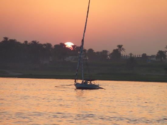 Iberotel Luxor: Sunset felucca