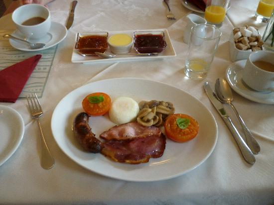 Yoredale House Guesthouse and Hamilton's Tea Room : The full English Breakfast