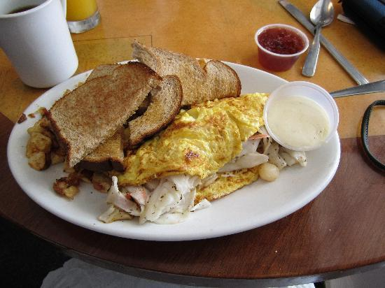 Lighthouse Cafe: Fisherman's breakfast- This is what it looked like when it got my table. Amazing!