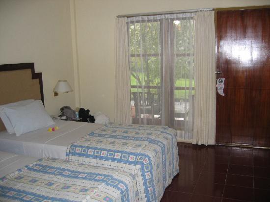 Aditya Beach Resort: Twin room