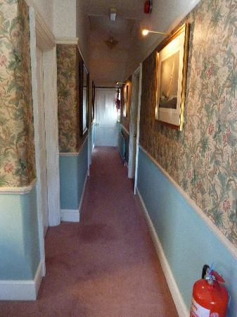 Sutherland House: The hotel hallway..