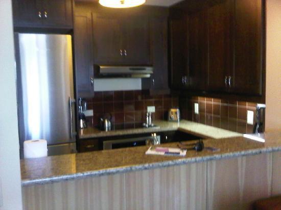 Suncadia Resort: Breakfast Bar/kitchen Area