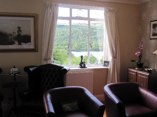 Glenurquhart House Hotel: The Den with a View