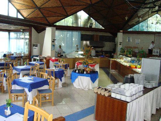 Hotel Club Els Pins: restaurant