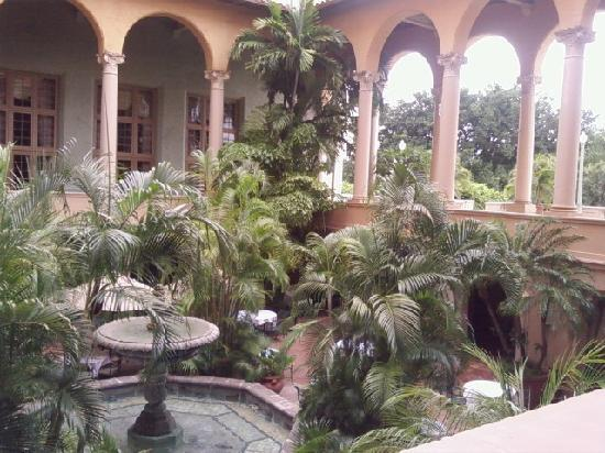 The Biltmore Hotel Miami Coral Gables: loggia too-where Italian dinner and breakfast are served