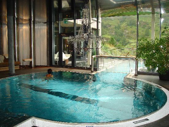 Indoor heated pool picture of matterhorn focus design for Design hotel matterhorn focus