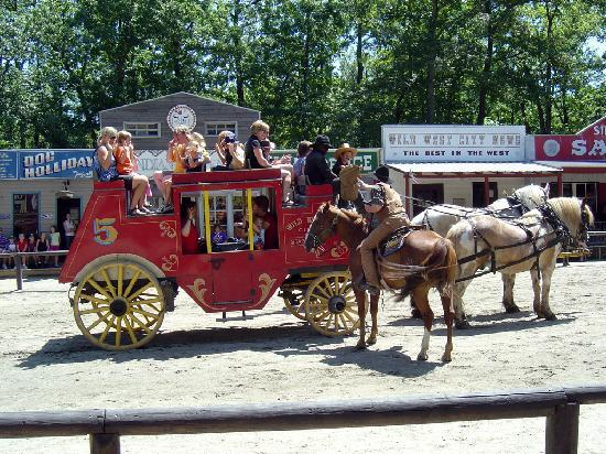 Wild West City: Stagecoach hold up!