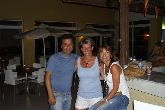 Nefeli Hotel : We met George a local Greek and Katrina from Scotland