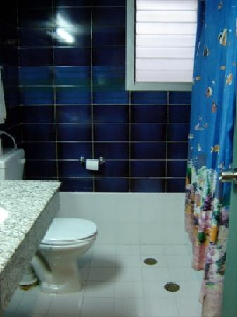Tabar Hotel: Bathroom