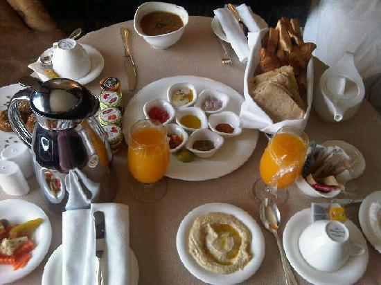 Fairmont Cairo, Nile City: you can order the breakfast inroom