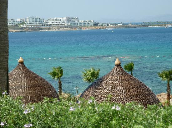 Kefaluka Resort: View across to Xanadu Island
