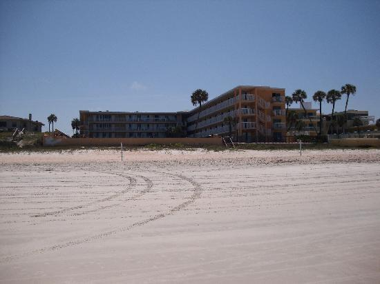 Quality Inn & Suites On The Beach: the look from the ocean to the hotel