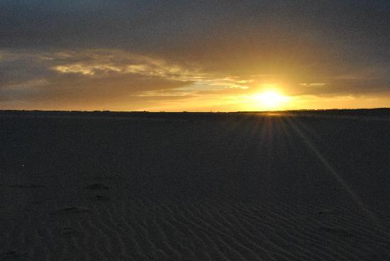 Lamu Island, เคนยา: Beautiful sunset at Kizingo