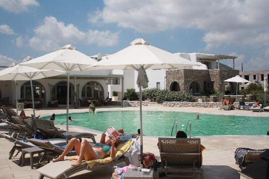 Saint Andrea Seaside Resort: Swimming pool