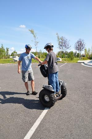 EcoSeg Alaska : Paul familiarizing our son with his Segway.
