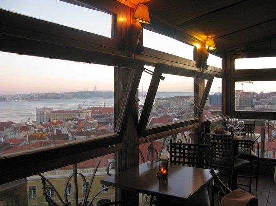 Chapitô à Mesa: Resto do Chapito - Blick auf Lissabon