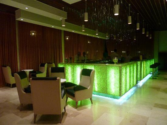 Sensimar Nissaki Beach by Atlantica: le bar principal