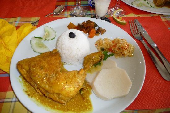 Deshaies, Guadeloupe: colombo de poulet