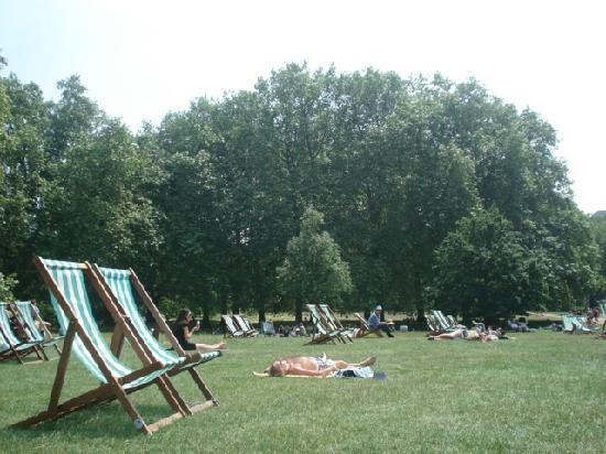 Green Park: Deckchairs