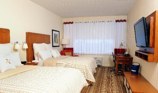 Four Points by Sheraton Cambridge / Kitchener: Two Queen Room