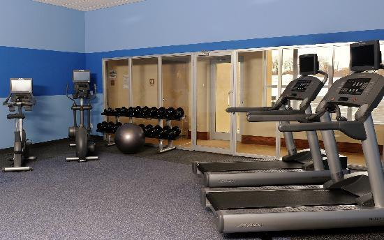 Four Points by Sheraton Cambridge / Kitchener: Fitness Center