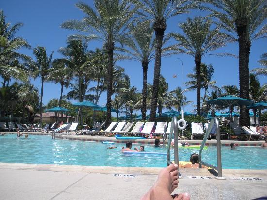 Marriott's Ocean Pointe: one of the swimming pools