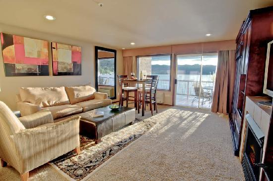 GrandView On The Lake: One Bedroom Grand Suite