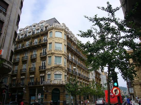Hotel Husa Europa: fachada a San Martín