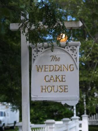 the name wedding cake house was given to the home due to it 39 s