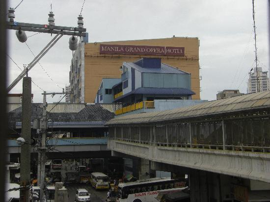 โรงแรมมะนิลา แกรนด์ โอเปอรา: View of Manila Grand Opera Hotel from LRT Doroteo Jose to LRT2 Recto crossway taken 3 June 2010