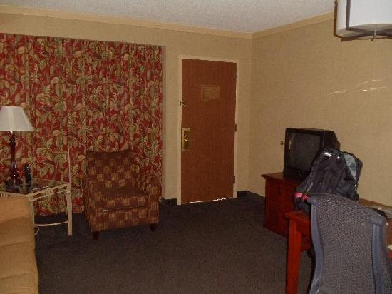 Embassy Suites by Hilton San Antonio Airport: Office/lounge side of my room.  Note the old TV.
