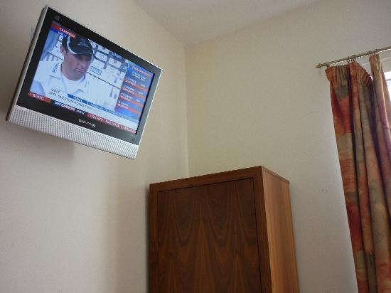 The Robin 2 Hotel: TV and Wardrobe