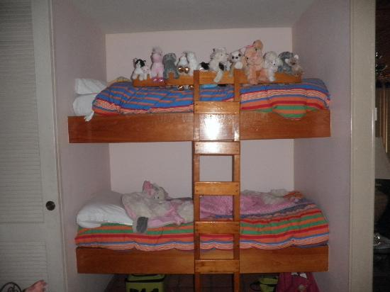 The Mayan Princess: Bunk Beds Built Into Wall For 1 Bedroom Condo