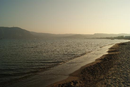 Eleni Hotel : Beach