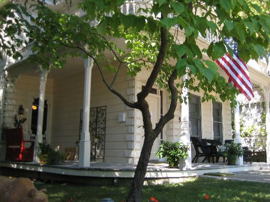Broad Street Inn: Front exterior